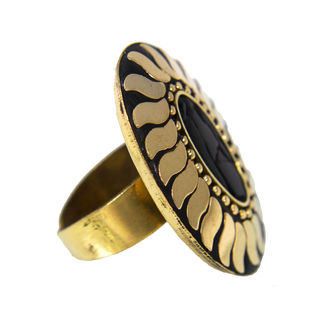 Designer Fashion Ring In Golden And Black For Women, adjustable