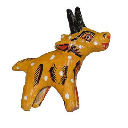 OHP082: Handicrafted deer made with cow dung
