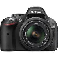 كاميرا نيكون D5200 DSLR  مع عدسة  18- 55 ملم