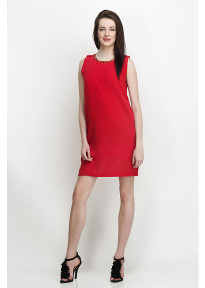 Red Mimdress With Neck Cahin