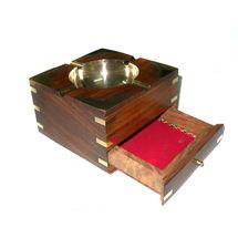Brass Inlay work Wooden Ash Tray Cum Cigarette Case, regular