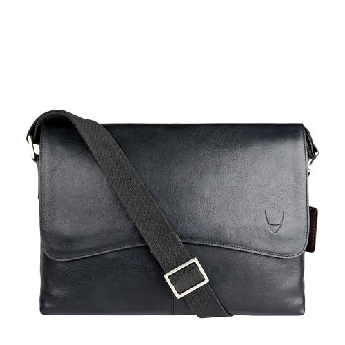 Melrose Place 03 Messenger bag Regular,  black