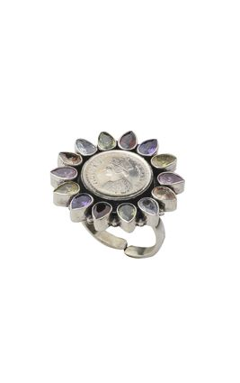 MULTI CUT STONE QUEEN RING