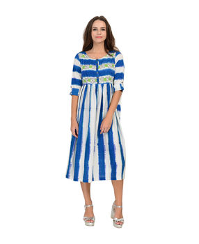 Blue and White striped Ikat cotton pleated dress, blue and white, xl