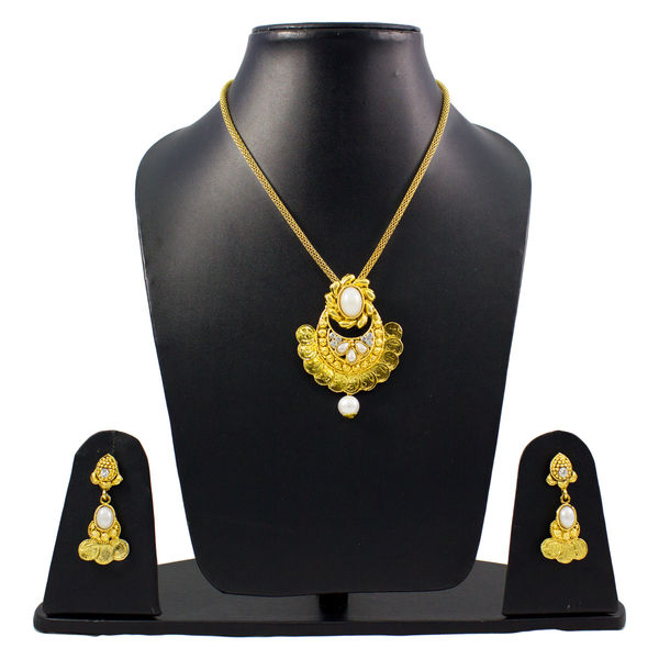 Beautiful Golden Pendant Set For Women