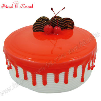 Eggless Strawberry Cake, 0.5 kg, eggless