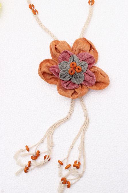 MULTI COLOUR 3D FLOWER NECKPIECE
